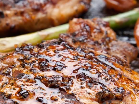 Свиная отбивная гриль с дижонской горчицей и укропом