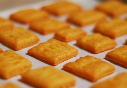 Печенье «Сырные крекеры»